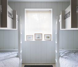 The Houseboat Poole Hamworthy Dorset Midships Cabin Bunk Room Bedroom Award Winning Holiday Property 2