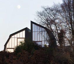 The Houseboat Poole Hamworthy Dorset Exterior Sunset Mirror Windows Award Winning Holiday Property