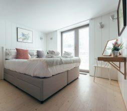 The Houseboat Poole Hamworthy Dorset Forward Quarters Bedroom Award Winning Holiday Property 3