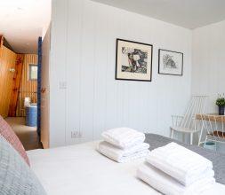 The Houseboat Poole Poole Hamworthy Dorset Captains Quarters Bedroom 3 Award Winning Holiday Property