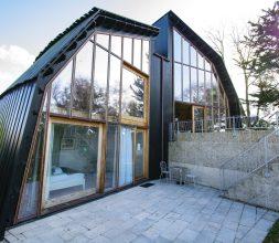 The Houseboat Poole Poole Hamworthy Dorset Outside Split Level Award Winning Holiday Property