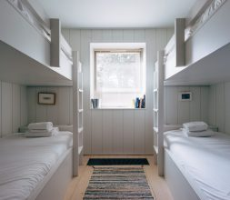 The Houseboat Poole Hamworthy Dorset Midships Cabin Bunk Room Bedroom Award Winning Holiday Property 3