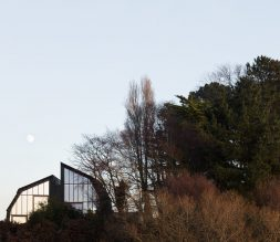 The Houseboat Poole Poole Hamworthy Dorset Exterior Landscape Reflection Mirror Windows Award Winning Holiday Property