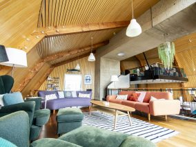 The Houseboat Poole Poole Hamworthy Dorset Lounge Level Open Plan Living Holiday Property