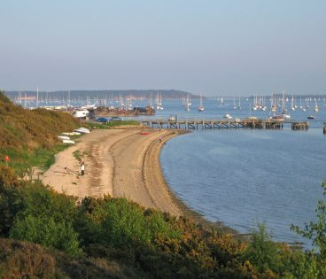 Poole Harbour Lake Pier Hamworthy The Houseboat Holiday Property