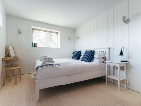 The Houseboat Poole Hamworthy Dorset Aft Quarters Bedroom Award Winning Holiday Property 2