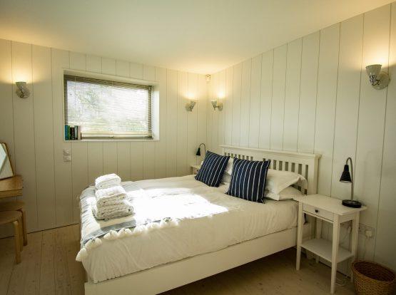 The Houseboat Poole Poole Hamworthy Dorset Aft Quarters Bedroom Award Winning Holiday Property